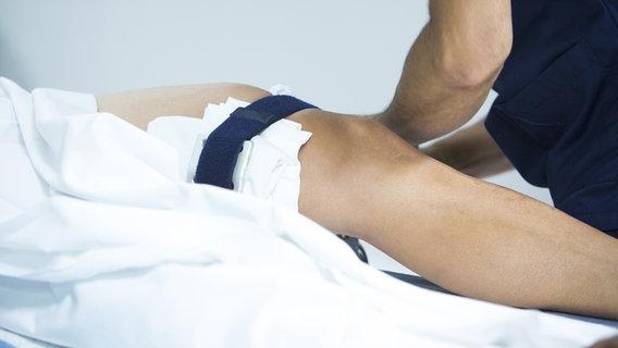 Gelenkschmerzen - Ursachen, Symptome und Therapie