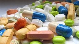 Verschiedene Medikamente © Normann Hochheimer/CHROMORANGE