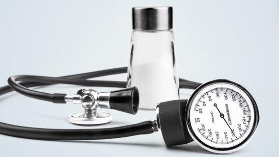 Blutdruck-Schwankungen erkennen und behandeln - NDR.de..