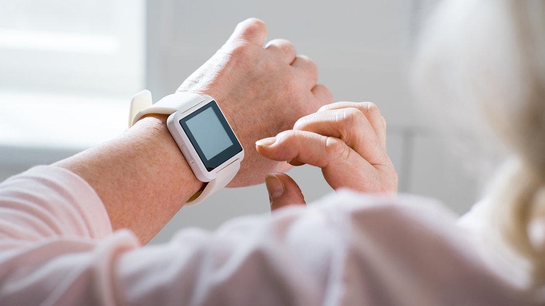 Smartwatches Und Fitness Tracker Was Verraten Die Messwerte Ndr De Ratgeber Gesundheit