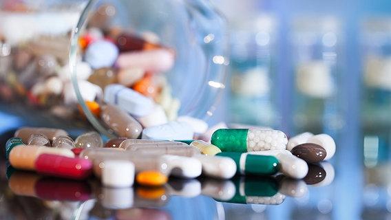 wohin mit alten medikamenten ratgeber gesundheit. Black Bedroom Furniture Sets. Home Design Ideas