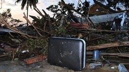 Zerstörungen nach Seebeben in Thailand - Khao Lak © picture-alliance/ dpa/dpaweb Foto: epa Vinai Dithajohn