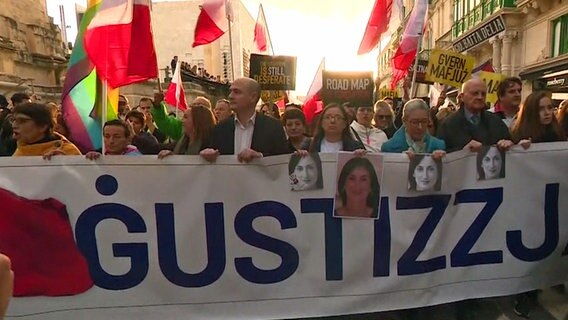 Demonstration in Malta wegen der ermordeten Journalistin Daphne Caruana Galizia  Foto: Screenshot
