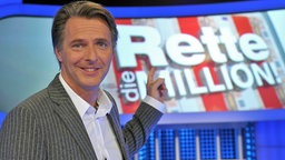 Jörg Pilawa moderiert beim ZDF die Sendung Rettet die Million © dpa Fotograf: Jörg Carstensen
