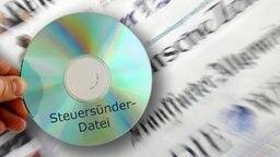 Steuer CD © picture alliance / ZB Foto: Zeitungen: Jan Woitas, CD: Armin Weigel