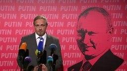Torsten Sträter als Vize-Ersatz-Pressesprecher von Putin.