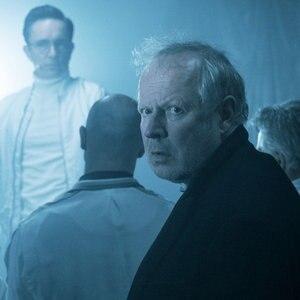 """Klaus Borowski (Axel Milberg) in einer Szene aus dem Tatort """"Borowski und die angst der weißen Männer"""" © NDR/ Foto: Christine Schröder"""