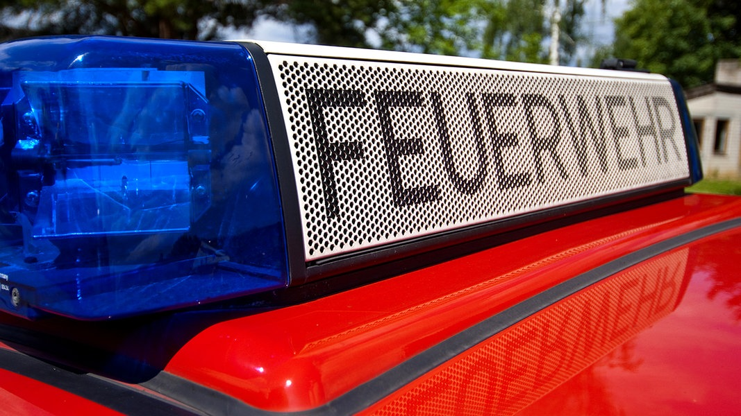 Feuerwehr rettet Mann von ehemaliger Bohrinsel
