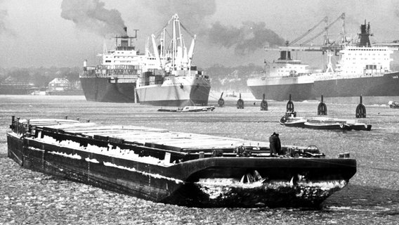 Eis im  Hamburger Hafen am 5. Januar 1979 © picture-alliance / dpa