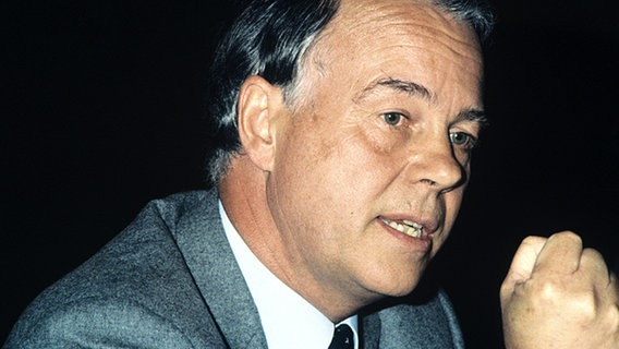 Ernst Albrecht 1986 in Hannover © picture-alliance / dpa Foto: Karin Hill