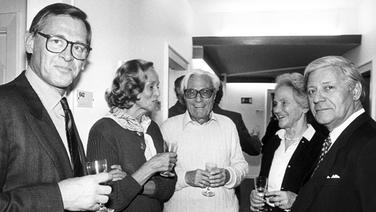 Chefredakteur Theo Sommer, Mitverlegerin Hilde von Lang, Mitbegründer Gerd Bucerius, Mitherausgeberin Marion Gräfin Dönhoff und Mitherausgeber Helmut Schmidt auf der Feier zum 40-jährigen Bestehen der