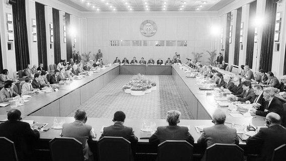 Konferencja RWPG w Berlinie Wschodnim 6 czerwca 1989 r. © picture Alliance / gdrbildarchiv Zdjęcie: Burkhard Lange