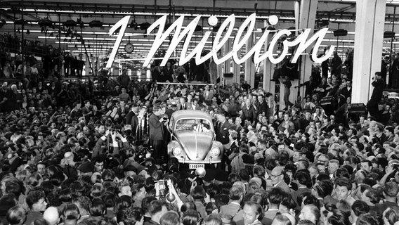 1955: Millionster VW-Käfer rollt vom Band   NDR.de - Geschichte ...