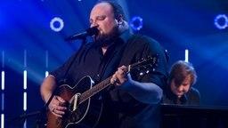 Musiker Alex Diehl beim großen NDR Spendenabend. © NDR Foto: Lisa Krechting