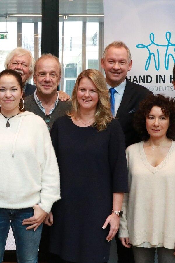 """""""Hand in Hand"""": Danke für 2,3 Millionen Euro!"""