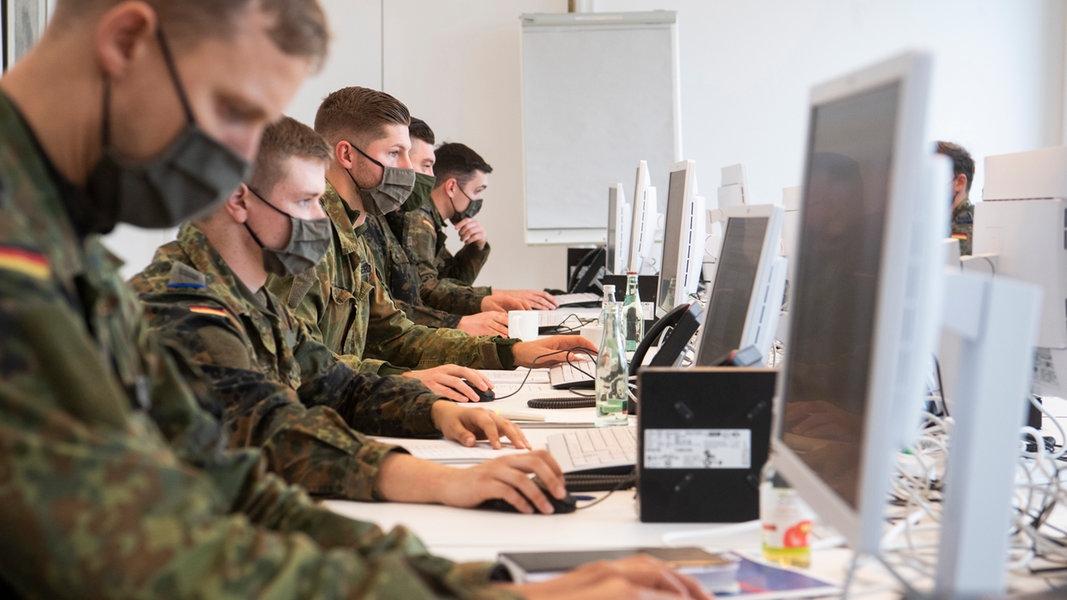 130 Soldaten helfen Gesundheitsämtern - Tendenz steigend