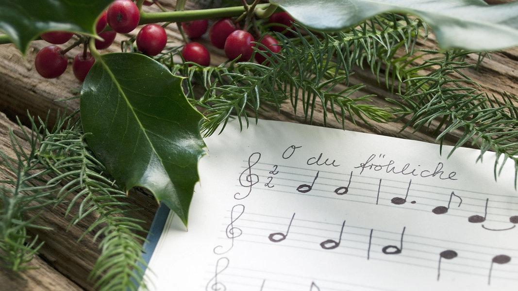 Weihnachtslieder Geschichte.Texte Der Beliebtesten Weihnachtslieder Ndr De Ratgeber