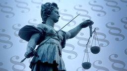Justitia vor Paragrafen. © imago Fotograf: Ralph Peters, imago/CTK Photo
