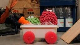 Folge 22. Müllburgring: Wisch und Mop haben ein Auto gebaut © NDR Foto: Screenshot