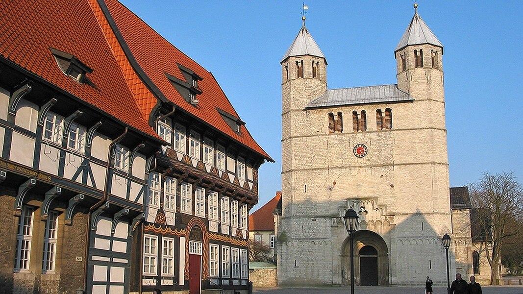 Die Stiftskirche in Bad Gandersheim   NDR.de - Kirche im