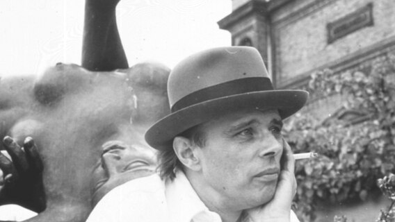 Joseph Beuys © picture-alliance / akg-images / Angelika Platen Foto: Angelika Platen