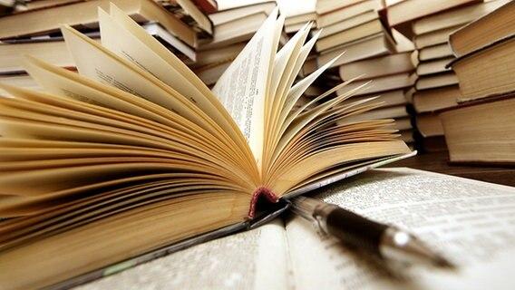 NDR distanziert sich von Buchempfehlung