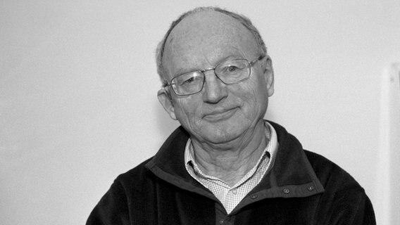 Schriftsteller Hermann Kant Gestorben Ndr De Kultur Buch
