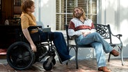 "Joaquin Phoenix, Jonah Hill im Film ""Don't Worry, He Won't Get Far on Foot"" von Gus Van Sant ©  2018 AMAZON CONTENT SERVICES LLC / Scott Patrick Green"