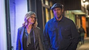 "Denzel Washington als Robert McCall in ""Equalizer 2"" mit der Schauspielerin Melissa Leo © Sony Pictures Entertainment"