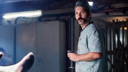 "Paul Rudd als stummer Barkeeper in Duncan Jones Spielfilm ""Mute"", der in Berlin gedreht wurde © Netflix 2018"