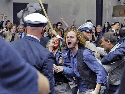 Kommunarde (Christian Näthe) während der Schah-Demo © 2008 Constantin Film Verleih GmbH