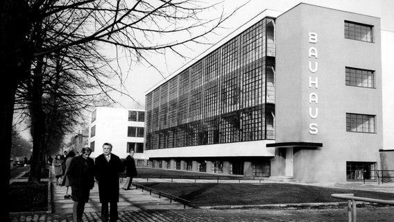 100 Jahre Bauhaus Unser Radiokunst Schwerpunkt Ndrde Ndr