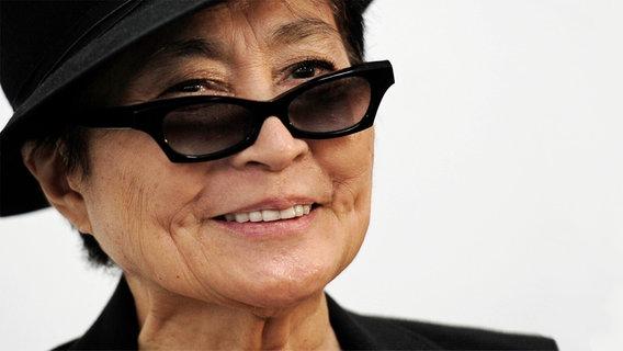 Vor der Entscheidung: Yoko Ono gegen