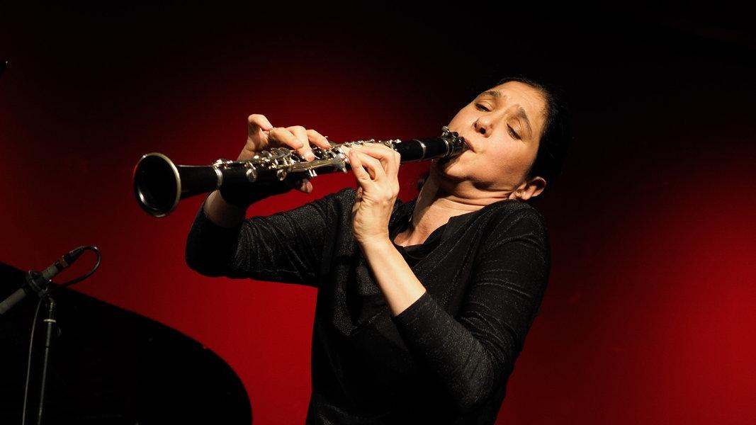 Klarinettistin Sharon Kam und die NDR Radiophilharmonie