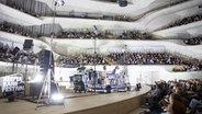 Die Bühne in der Elbphilharmonie Hamburg beim Reeperbahn Festival © Lisa Meinen Foto: Lisa Meinen
