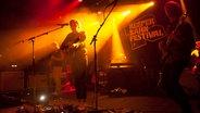 Der Musiker Philipp Poisel spielt im Hamburger Club Übel+Gefährlich. © Lisa Meinen Foto: Lisa Meinen