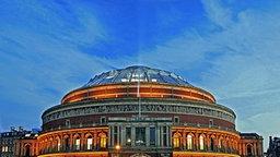 Blick auf die Royal Albert Hall of Arts and Sciences in Kensington im Zentrum von London, aufgenommen am 10.10.2005. © picture-alliance/dpa Foto: Jens Büttner
