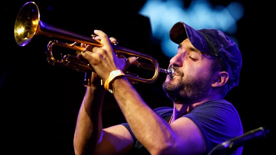 Ibrahim Maalouf Trompeter © picture alliance/AP Photo Foto: Valentin Flauraud
