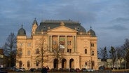 Mecklenburgisches Staatstheater in Schwerin © picture alliance/dpa Foto: Rainer Jensen