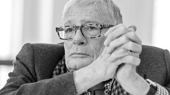 Hamburger SymphonikerChefdirigent Sir Jeffrey Tate ist tot