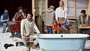 "Szenenbild aus ""Fuge"" von Samuel Achache © Festival Theaterformen/Jean-Louis Fernandez Fotograf: Jean-Louis Fernandez"