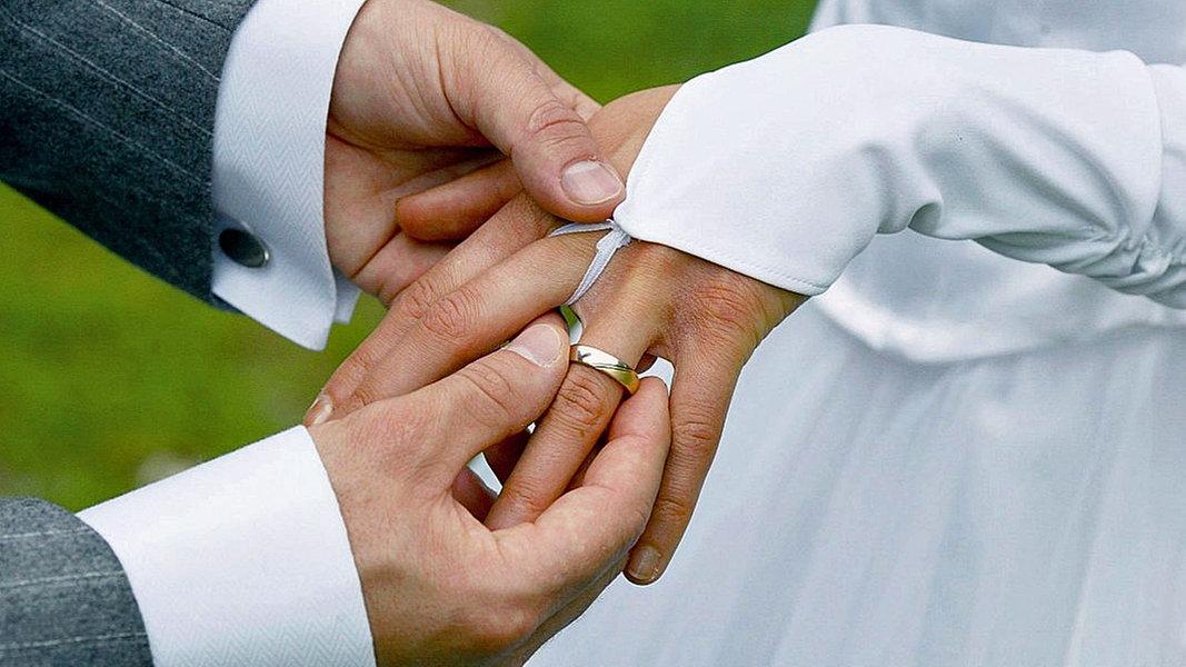 Ehering welche hand katholisch
