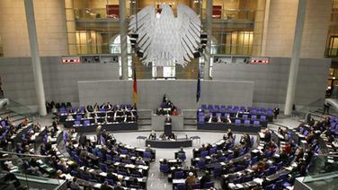 Beratung im Bundestag. © dpa - Bild Foto: Tim Brakemeier