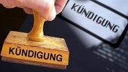 Stempel mit der Aufschrift Kündigung © picture-alliance Foto: SVEN SIMON