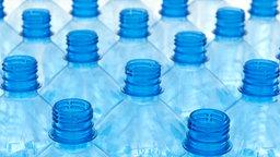 Leere PET-Flaschen © picture-alliance/Chromorange