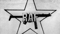 RAF-Logo, Ausschnitt aus einem Foto des entführten Arbeitgeberpräsidenten Hanns-Martin Schleyer (Archivbild aus dem Jahr 1977) © dpa