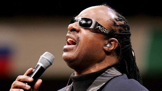 """Stevie Wonder - """"Isn't She Lovely"""""""