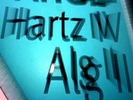 Symbolbild Hartz IV - Ein Hinweisschild für Hartz IV- Empfänger © picture-alliance/ dpa Fotograf: Karl-Josef Hildenbrand