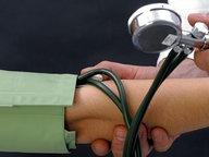 Blutdruckmessung © picture allliance/chromorange Fotograf: Reinhold Tscherwitschke / CHROMO
