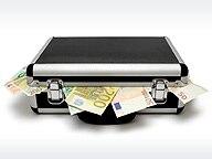 Koffer, aus denen Geldscheine quellen. © Panthermedia Fotograf: Marc Dietrich